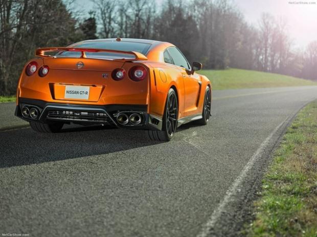 Bu yer uçağına yol dayanmıyor! Nissan GT-R 2017 için hazır