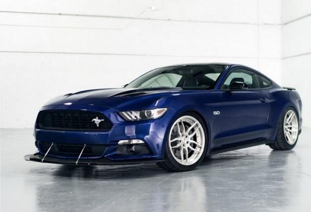 Ford Mustang mercek altında