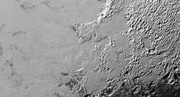 Plütonun muazzam buz dağları ve vadileri görüntülendi!