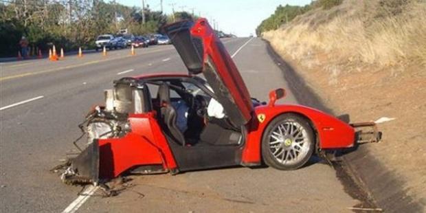 Süper lüks arabaların 'yok artık' dedirten halleri